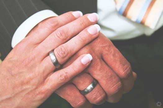 Love Spell to Strengthen a Bond